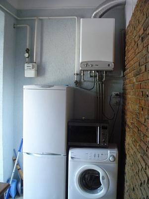 Трехкомнатная квартирапосуточно в Керчи, ул. Свердлова, 44