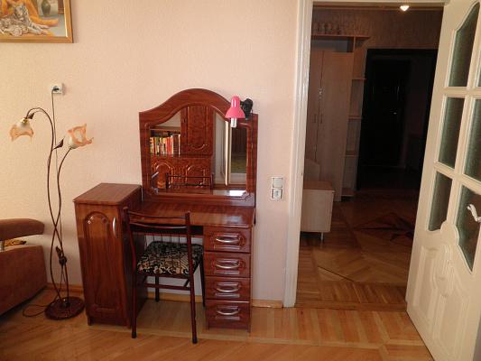 Однокомнатная квартирапосуточно в Алуште, ул. Красноармейская, 1