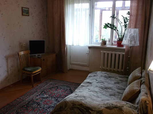 Однокомнатная квартирапосуточно в Севастополе, Гагаринский район, ул. Репина, 8