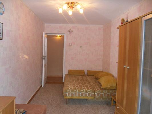 Двухкомнатная квартирапосуточно в Симферополе, Центральный район, ул. Дмитрия Ульянова, 26