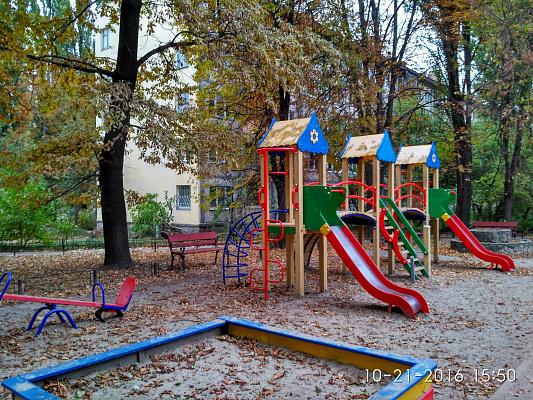 Двухкомнатная квартирапосуточно в Киеве, Шевченковский район, ул. Салютная, 27
