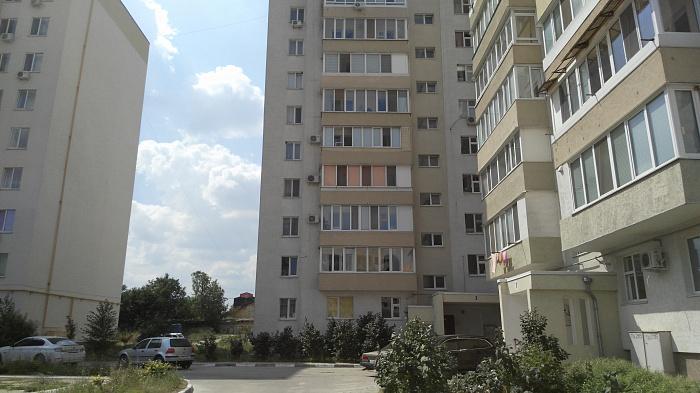 Однокомнатная квартирапосуточно в Симферополе, Железнодорожный район, ул. Лексина, 60