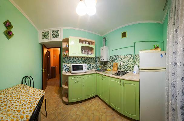 Однокомнатная квартирапосуточно в Симферополе, Центральный район, пер. Пионерский, 1