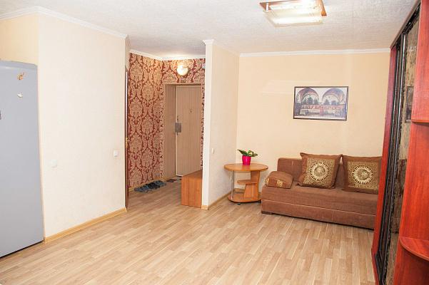Двухкомнатная квартирапосуточно в Запорожье, Орджоникидзевский район, ул. Патриотическая, 61