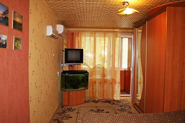 Однокомнатная квартирапосуточно в Судаке, ул. Ленина, 57