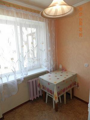 Однокомнатная квартирапосуточно в Феодосии, ул. Чехова, 17