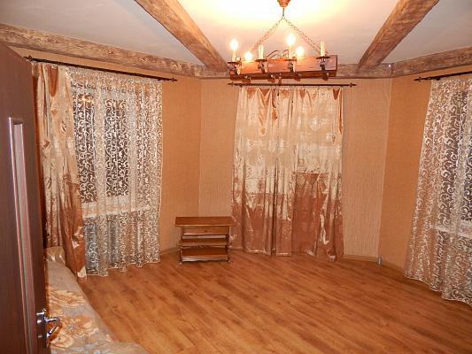 Двухкомнатная квартирапосуточно в Ровно, ул. Соборная, 262