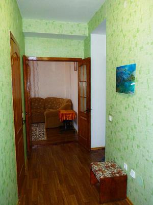 Трехкомнатная квартирапосуточно в Евпатории, ул. Кирова, 32