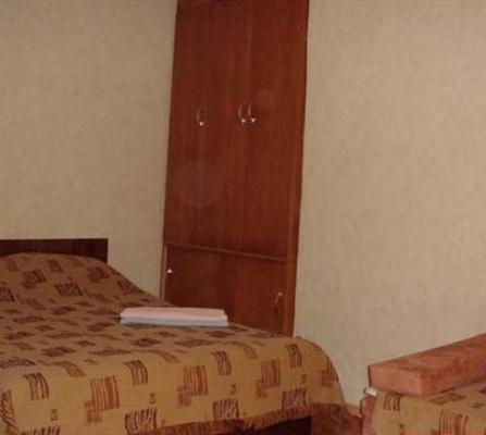 Однокомнатная квартирапосуточно в Керчи, ул. Свердлова, 39