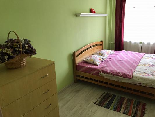 Трехкомнатная квартирапосуточно в Ровно, ул. Вячеслава Черновола, 36