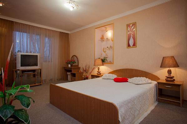 Однокомнатная квартирапосуточно в Керчи, ул. Гудованцева, 3