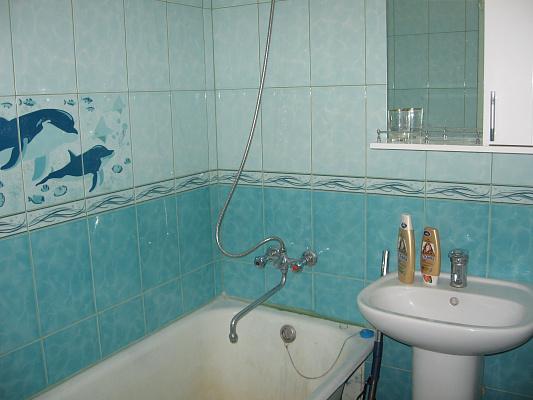 Двухкомнатная квартирапосуточно в Севастополе, Гагаринский район, ул. Глухова, 3