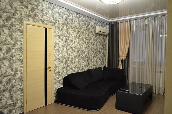 Двухкомнатная квартирапосуточно в Черкассах, б-р Шевченко, 244