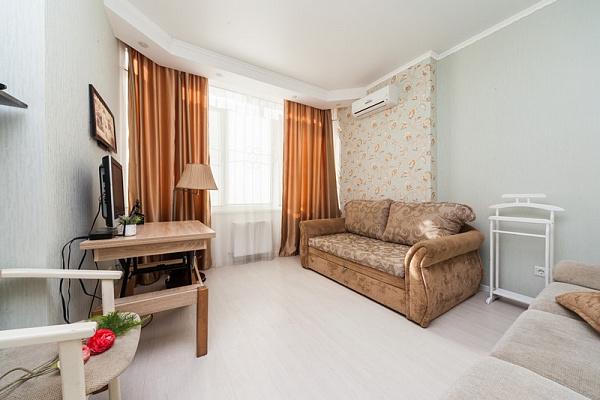 Трехкомнатная квартирапосуточно в Одессе, Киевский район, массив Радужный, 10А