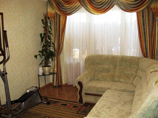 Трехкомнатная квартирапосуточно в Евпатории, ул. Фрунзе