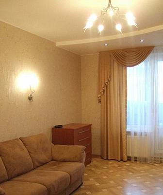 Двухкомнатная квартирапосуточно в Орджоникидзе (Покрове), ул. Торговая, 55