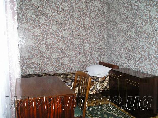 Двухкомнатная квартирапосуточно в Евпатории, ул. 8 марта, 25
