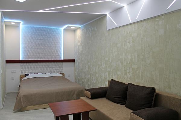 Однокомнатная квартирапосуточно в Мариуполе, Центральный район, б-р Богдана Хмельницкого, 35