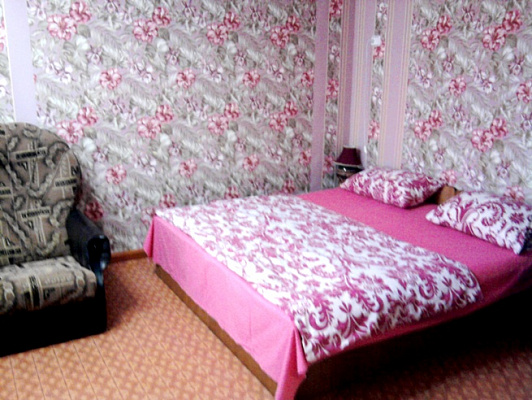 Двухкомнатная квартирапосуточно в Приморском, ул. Советская, 24