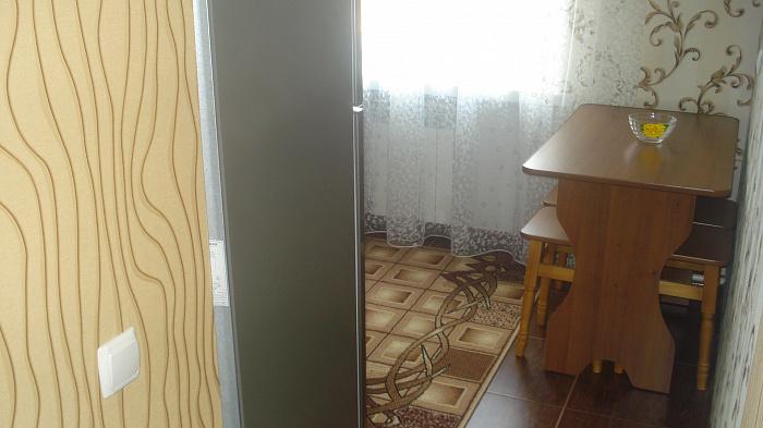 Двухкомнатная квартирапосуточно в Бердичеве, ул. Семеновская, 23