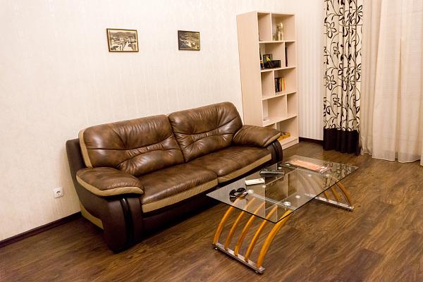 Однокомнатная квартирапосуточно в Ялте, Центр Ялты район, наб. Ленина, 13