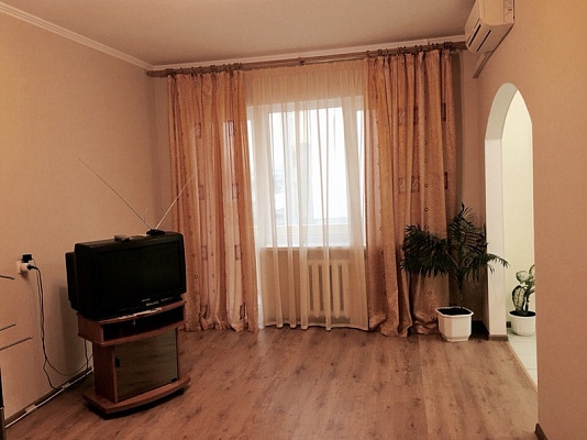 Однокомнатная квартирапосуточно в Симферополе, Киевский район, пр-т Победы, 60