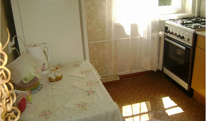 Двухкомнатная квартирапосуточно в Севастополе, Ленинский район, ул. Советская, 46