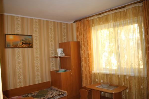 Мини-отель посуточно в Саках, ул. Морская, 4