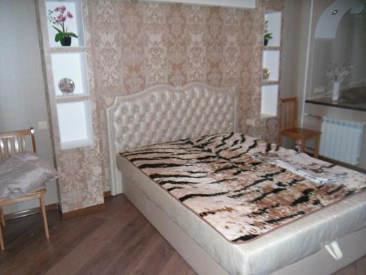 Однокомнатная квартирапосуточно в Симферополе, Киевский район, ул. Менделеева, 9