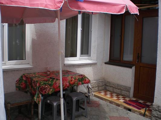 Двухкомнатная квартирапосуточно в Евпатории, ул. Караимская, 12