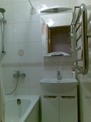 Двухкомнатная квартирапосуточно в Алуште, ул. Пионерская, 17