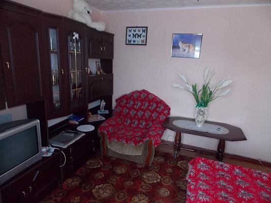 Однокомнатная квартирапосуточно в Каневе, ул. Успенская (Ленина), 134