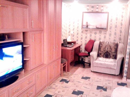 Однокомнатная квартирапосуточно в Феодосии, ул. Земская, 18