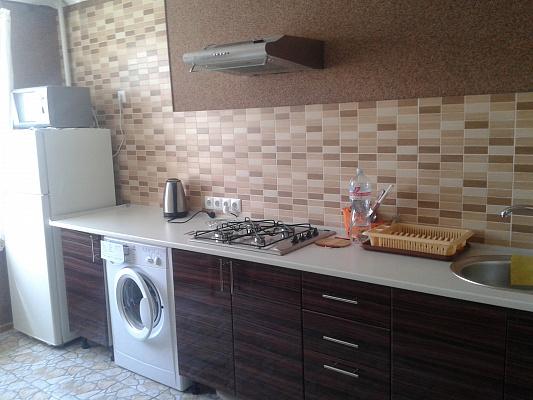 Двухкомнатная квартирапосуточно в Виннице, Замостянский район, пр-т Коцюбинского, 78