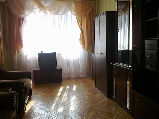Однокомнатная квартирапосуточно в Феодосии, ул. Назукина, 2