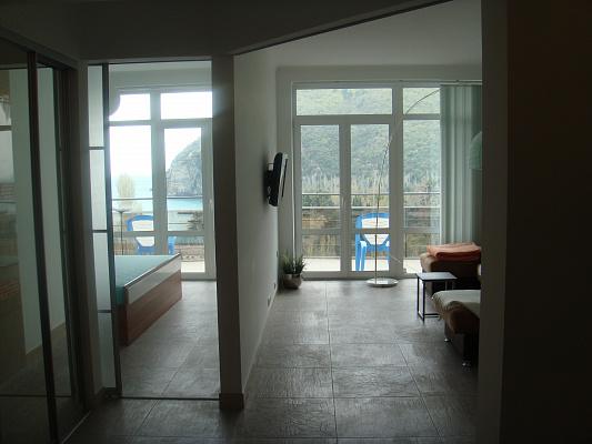 Двухкомнатная квартирапосуточно в Партените, ул. Прибрежная, 7