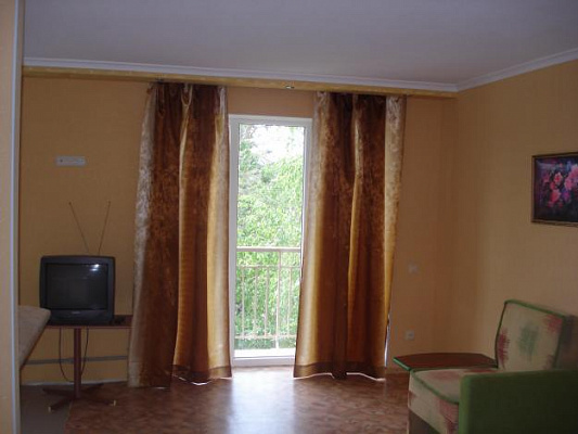 1 room apartments daily Svyatogorsk, ул. Ивана Мазепы, 54. Photo 1