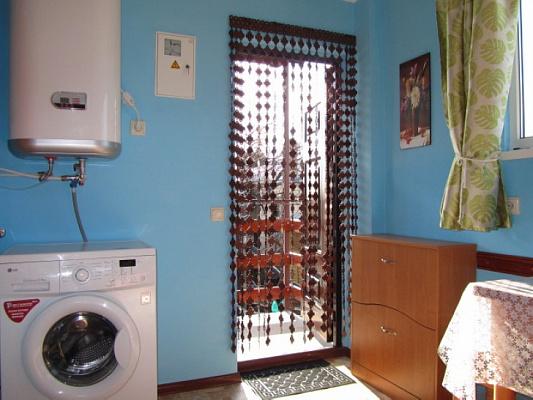 Однокомнатная квартирапосуточно в Алупке, ул. Калинина, 26-2