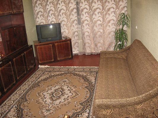 Однокомнатная квартирапосуточно в Черкассах, ул. Крещатик, 130