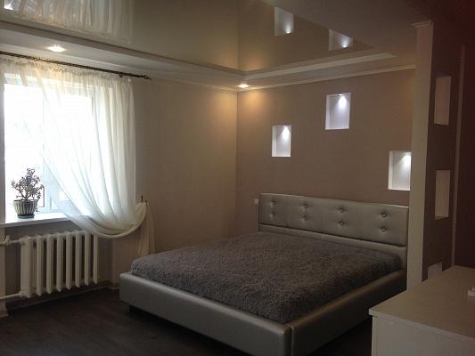 Однокомнатная квартирапосуточно в Ровно, ул. Сагайдачного, 2