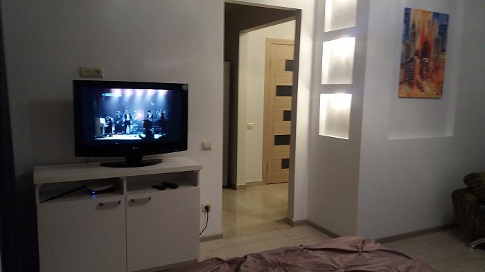 Однокомнатная квартирапосуточно в Тернополе, ул. Евгения Коновальца, 5
