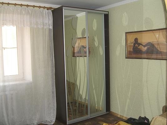 Однокомнатная квартирапосуточно в Керчи, ул. Кирова, 33