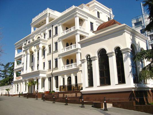 Двухкомнатная квартирапосуточно в Алуште, ул. Ленина, 10