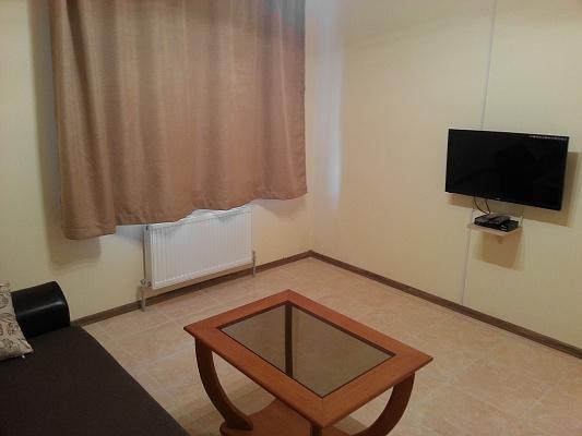 Двухкомнатная квартирапосуточно в Геническе, ул. Соборная, 120