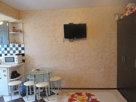 Однокомнатная квартирапосуточно в Евпатории, ул. Халтурина, 64