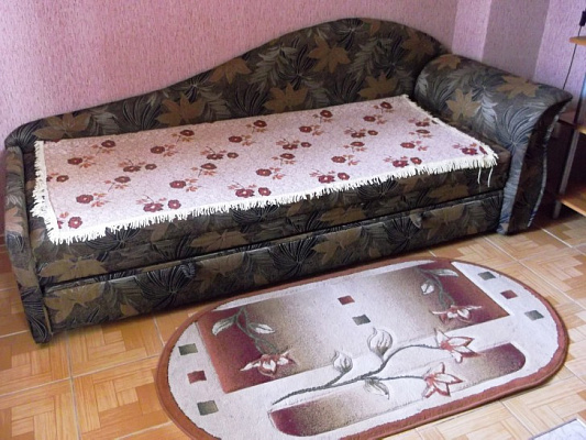 Двухкомнатная квартирапосуточно в Феодосии, ул. Октябрьская, 5