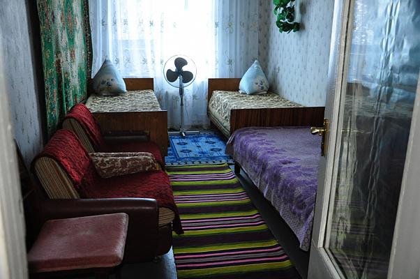 Двухкомнатная квартирапосуточно в Сергеевке, вул. Школьная, 4