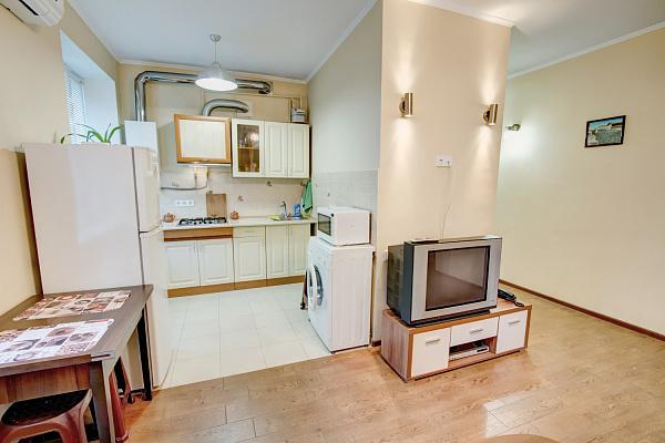 Двухкомнатная квартирапосуточно в Одессе, Приморский район, ул. Канатная, 100