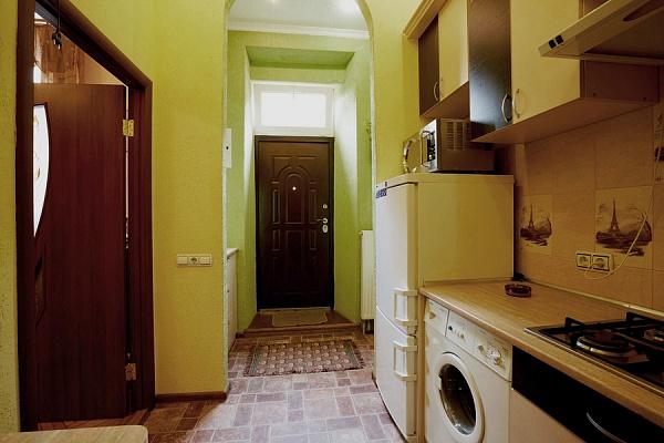 Однокомнатная квартирапосуточно в Львове, Галицкий район, ул. Ярослава Мудрого, 16