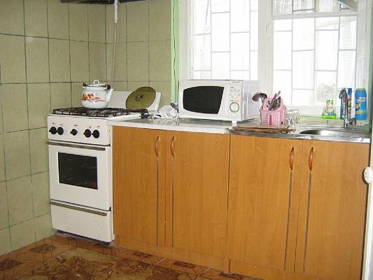 Двухкомнатная квартирапосуточно в Евпатории, ул. Эскадронная, 19